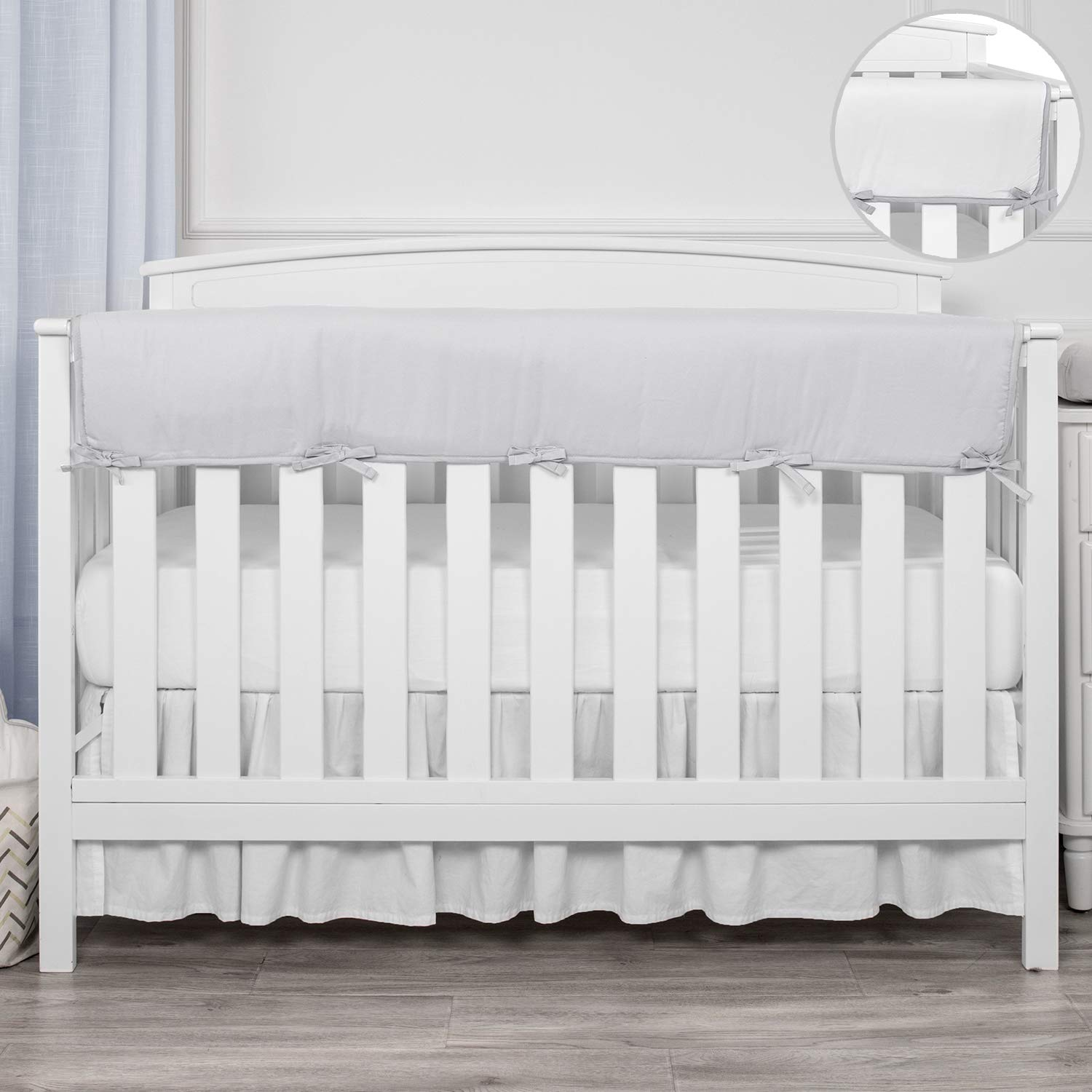 """TILLYOU 1-Pack Padded Baby Crib Rail Cover Protector Safe Teething Guard Wrap for Long Front Crib Rails(Measuring Up to 18"""" Around), 100% Silky Soft Microfiber Polyester, Reversible, Pale Gray/White"""
