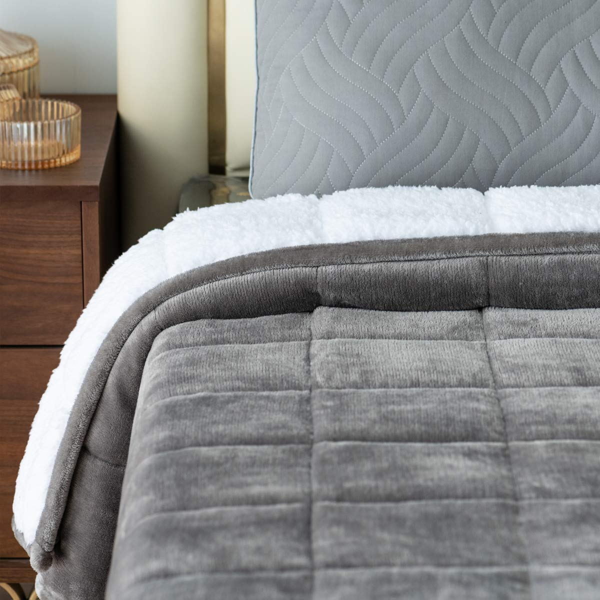 """Mr.Sandman Sherpa Fleece Weighted Blanket 20lbs for Adults Queen Size Bed, Super Soft Luxury Throw Blanket with Premium Ceramic Beads - 60""""x80"""" Grey"""
