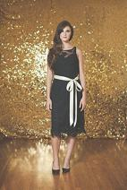 TRLYC 6ft6ft Gold Shimmer Sequin Fabric Photography Backdrop Sequin Curtain for Wedding/Party