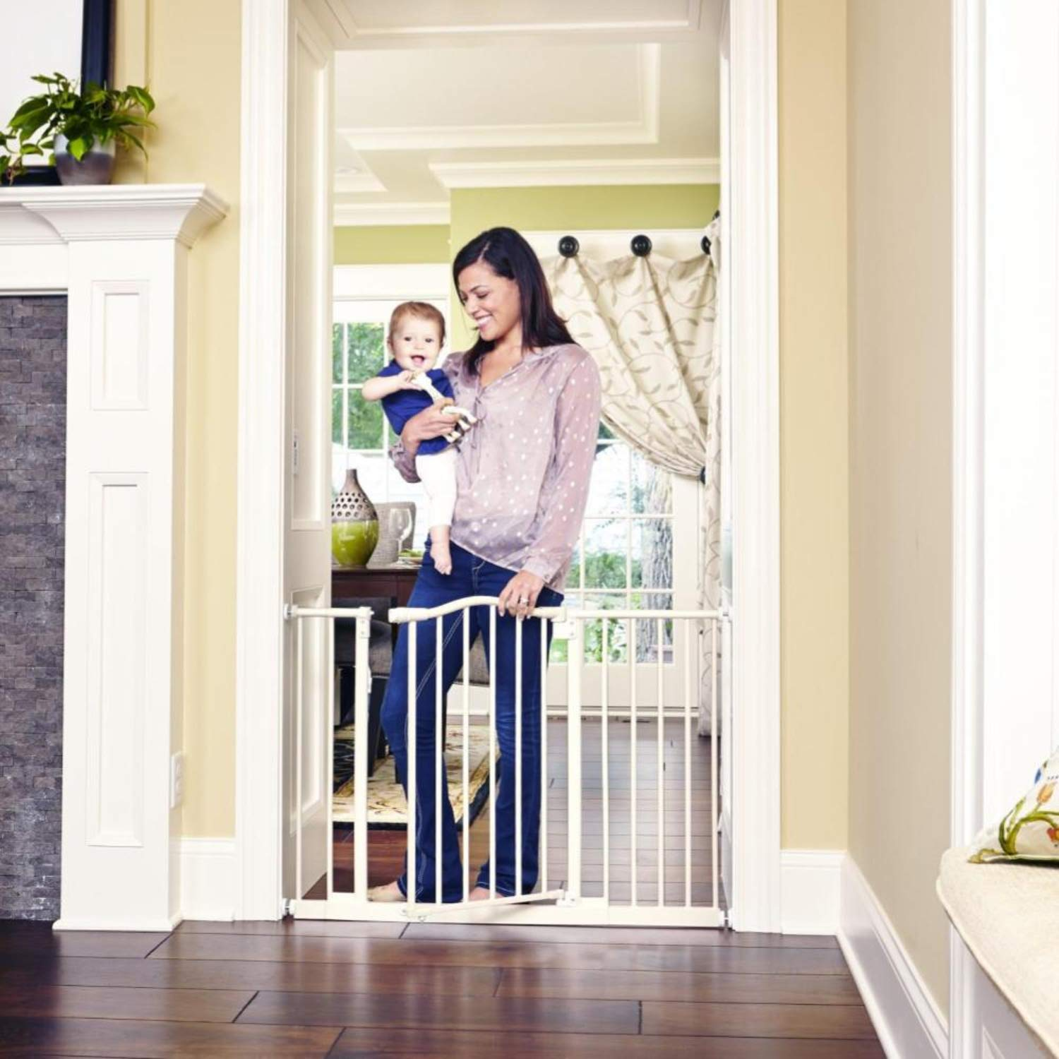 """Toddleroo by North States 46.8"""" wide Wide Portico Arch Baby Gate: Heavy duty metal safety gate with one hand operation. Pressure Mount. Fits 28.2""""-46.8"""" wide (30"""" tall, Soft White)"""