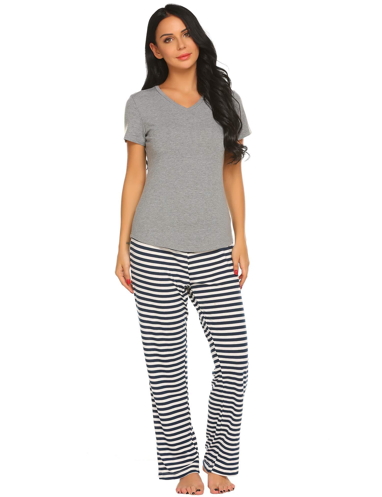 Ekouaer Women's Pajama Set Short Sleeve T Shirt with Capris Pants Print Loungewear Sets S-XXL