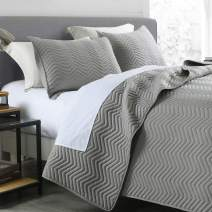 Quilt Set King Size Grey, Classic Geometric Chevron Stitched Pattern, Pre-Washed Microfiber Ultra Soft Lightweight Quilted Bedspread Coverlet for All Season, 3 Piece Includes 1 Quilt and 2 shams
