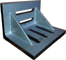 """HHIP 3402-0302 4-1/2"""" x 3-1/2"""" x 3"""" Slotted Angle Plate, Webbed"""