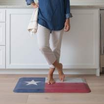 """NewLife by GelPro Anti-Fatigue Designer Comfort Kitchen Floor Mat, 20x32"""", Rustic Texas Flag Stain Resistant Surface with 3/4"""" Thick Ergo-foam core for Health and Wellness"""