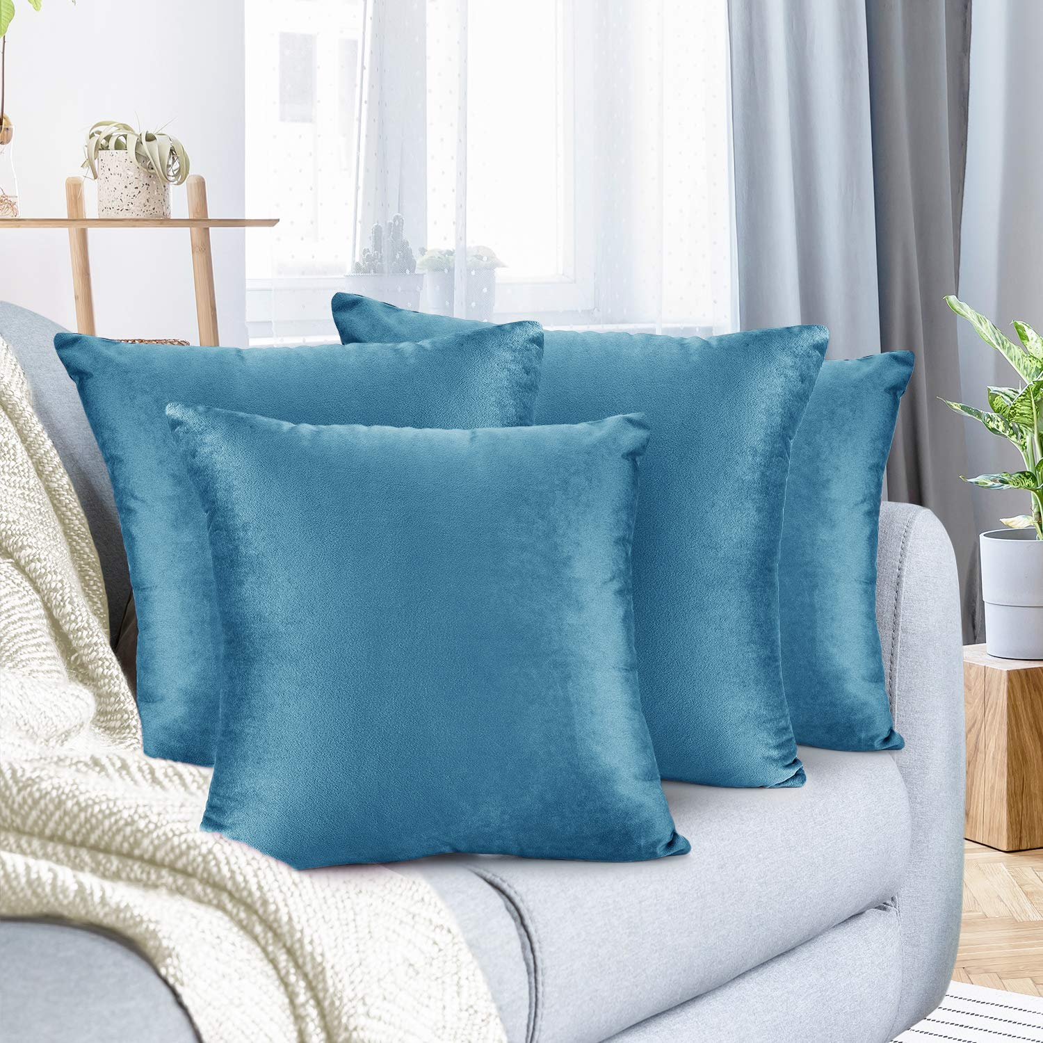 """Nestl Bedding Throw Pillow Cover 20"""" x 20"""" Soft Square Decorative Throw Pillow Covers Cozy Velvet Cushion Case for Sofa Couch Bedroom, Set of 4, Blue Heaven"""