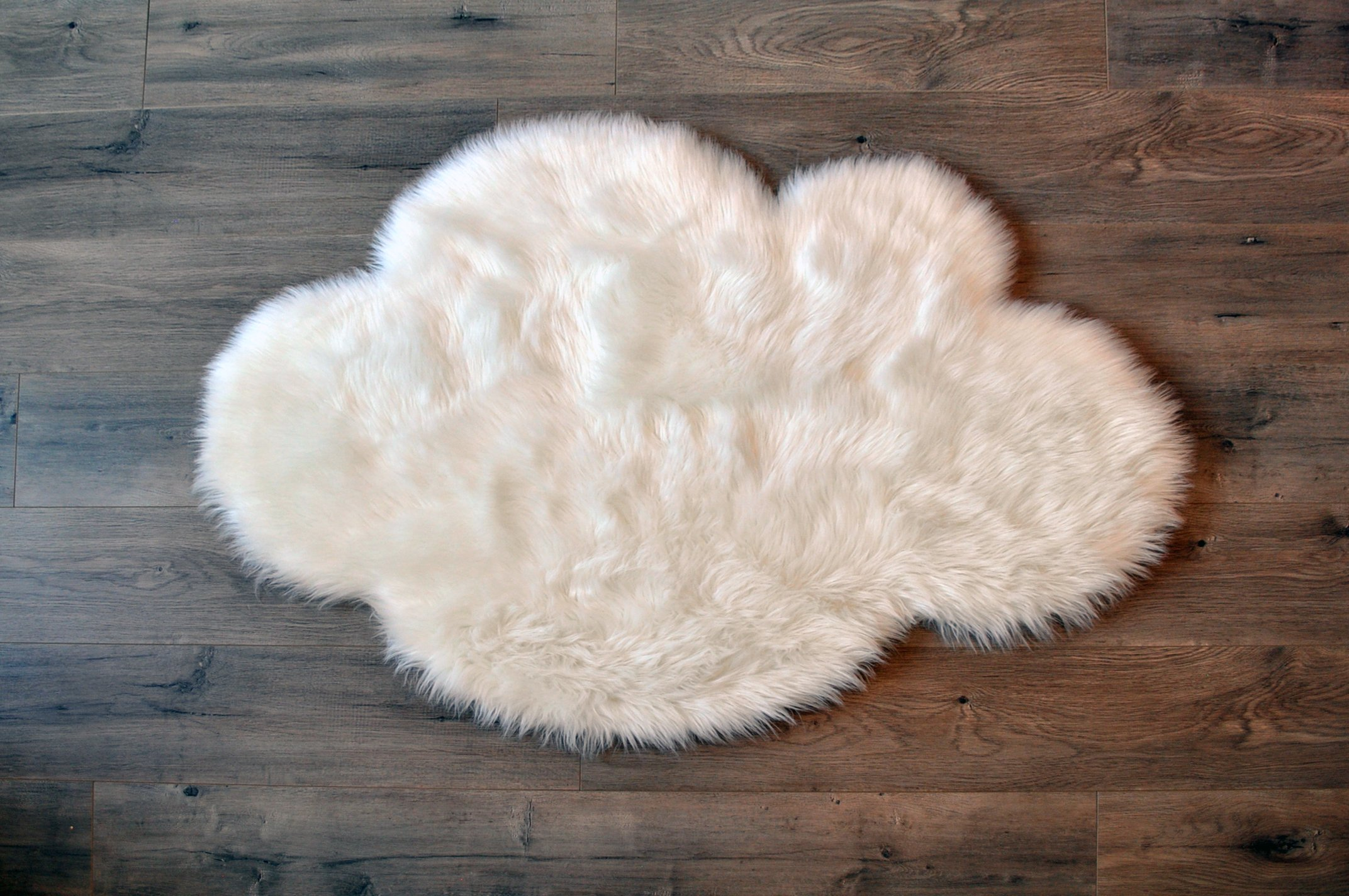 """Machine Washable Faux Sheepskin White Cloud Area Rug 32"""" x 44"""" - Soft and Silky - Perfect for Baby's Room, Nursery, playroom (2' 7"""" x 3' 7"""") - White Cloud"""