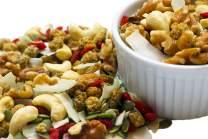 Raw Superfoods Raisins-Free Trail Mix - Tropical Power Blend (Goji Berries, Coconut Chips, Mulberries, Cashews, Walnuts, Pumpkin Seeds)