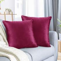 """Nestl Bedding Throw Pillow Cover 20"""" x 20"""" Soft Square Decorative Throw Pillow Covers Cozy Velvet Cushion Case for Sofa Couch Bedroom, Set of 2, Magenta"""