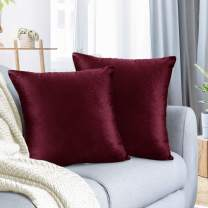 """Nestl Bedding Throw Pillow Cover 20"""" x 20"""" Soft Square Decorative Throw Pillow Covers Cozy Velvet Cushion Case for Sofa Couch Bedroom, Set of 2, Burgundy Red"""