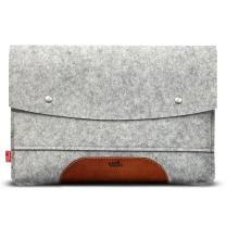 """Pack & Smooch Hampshire Tablet Case Sleeve - Compatible with iPad Pro 10.5"""" with Smart Keyboard Folio Cover - Made with 100% Merino Wool Felt and Vegetable Tanned Leather (Light Grey/Light Brown)"""