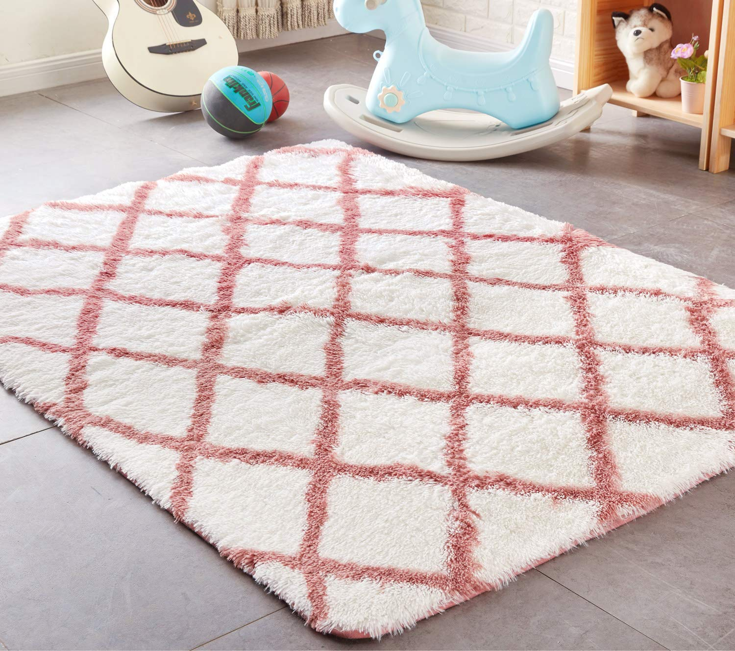 PAGISOFE Shaggy Fluffy Area Rugs Carpets for Baby Nursery Teens Girls Rooms 4x5.3 Feet Plush Fuzzy Patterned Shag Rugs for Kids Bedrooms Home Room Floor Accent Decor Fur Rug (Pink Trellis)