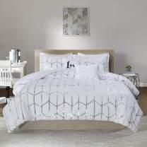 Intelligent Design Raina Comforter Set Microfiber Metallic Print Geometric Design Embroidered Toss Pillow Modern Trendy Casual All Season Bedding Set, King/Cal King, White/Silver, 5 Piece