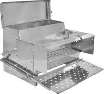 RentACoop Treadle Feeder (25 LB)