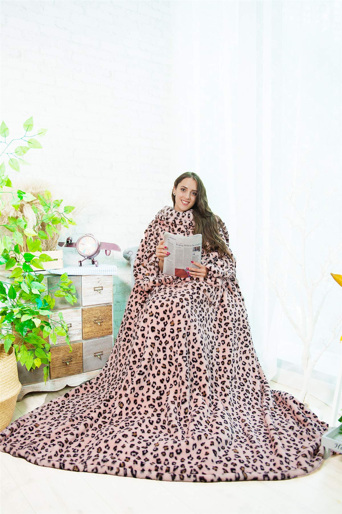 Alcea Rosea TV Blanket Shu Velveteen Soft Plush Big Size Blanket Animal Print with Sleeves and Back feet Pocket,Cozy,Warm,Functional,Throw Robe for Adult,Women Men-79'' x 60'' (Pink Leopard)