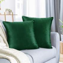 """Nestl Bedding Throw Pillow Cover 22"""" x 22"""" Soft Square Decorative Throw Pillow Covers Cozy Velvet Cushion Case for Sofa Couch Bedroom, Set of 2, Hunter Green"""