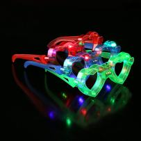 Fun Central 6 Pack - Light Up Heart Shapes - LED Glasses Party Supplies for Valentines' Day