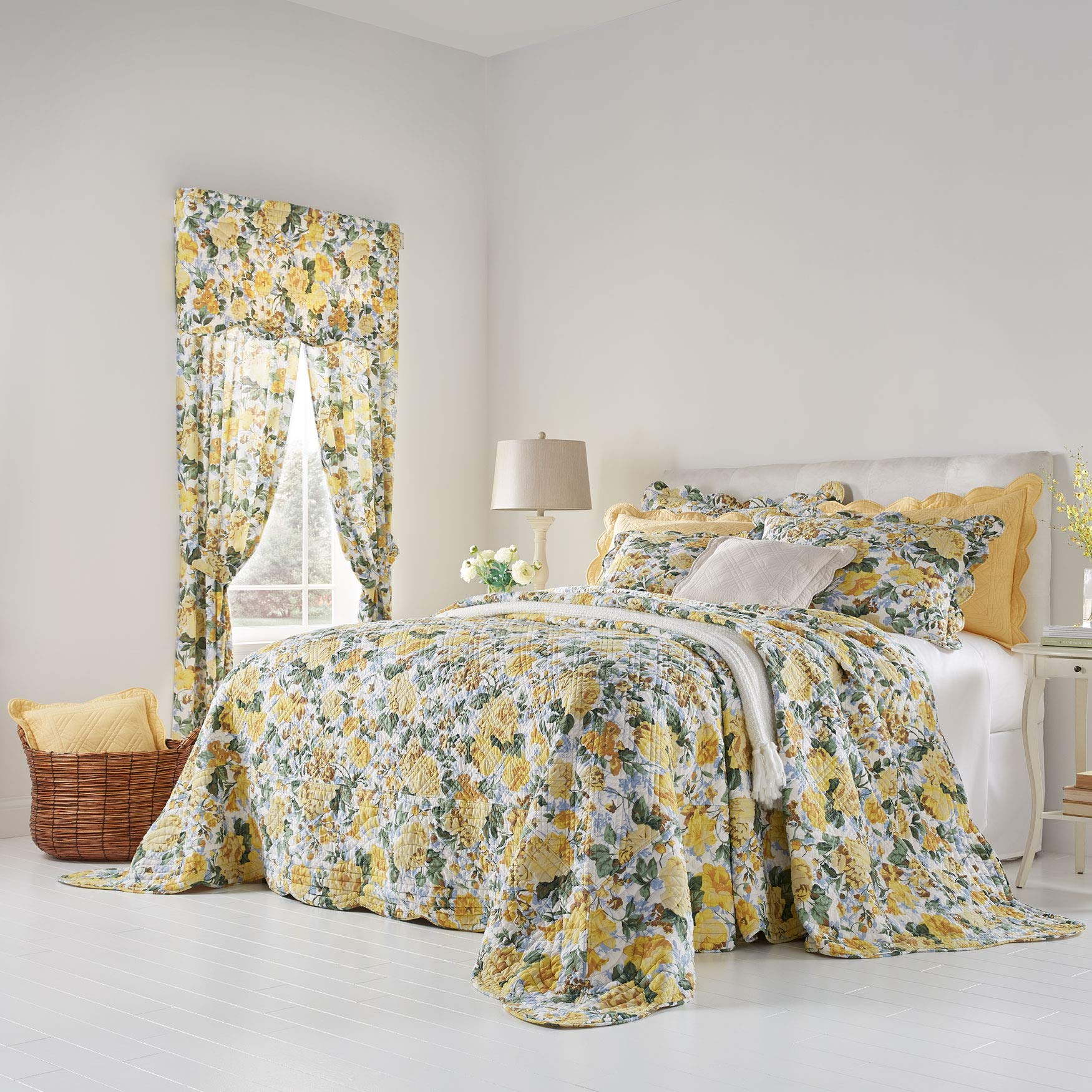 BrylaneHome Florence Oversized Bedspread - Full, Floral Multi