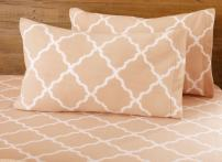 Great Bay Home Super Soft Extra Plush Fleece Sheet Set. Cozy, Warm, Durable, Smooth, Breathable Winter Sheets with Cloud Lattice Pattern. Dara Collection Brand. (Twin, Blush Pink)