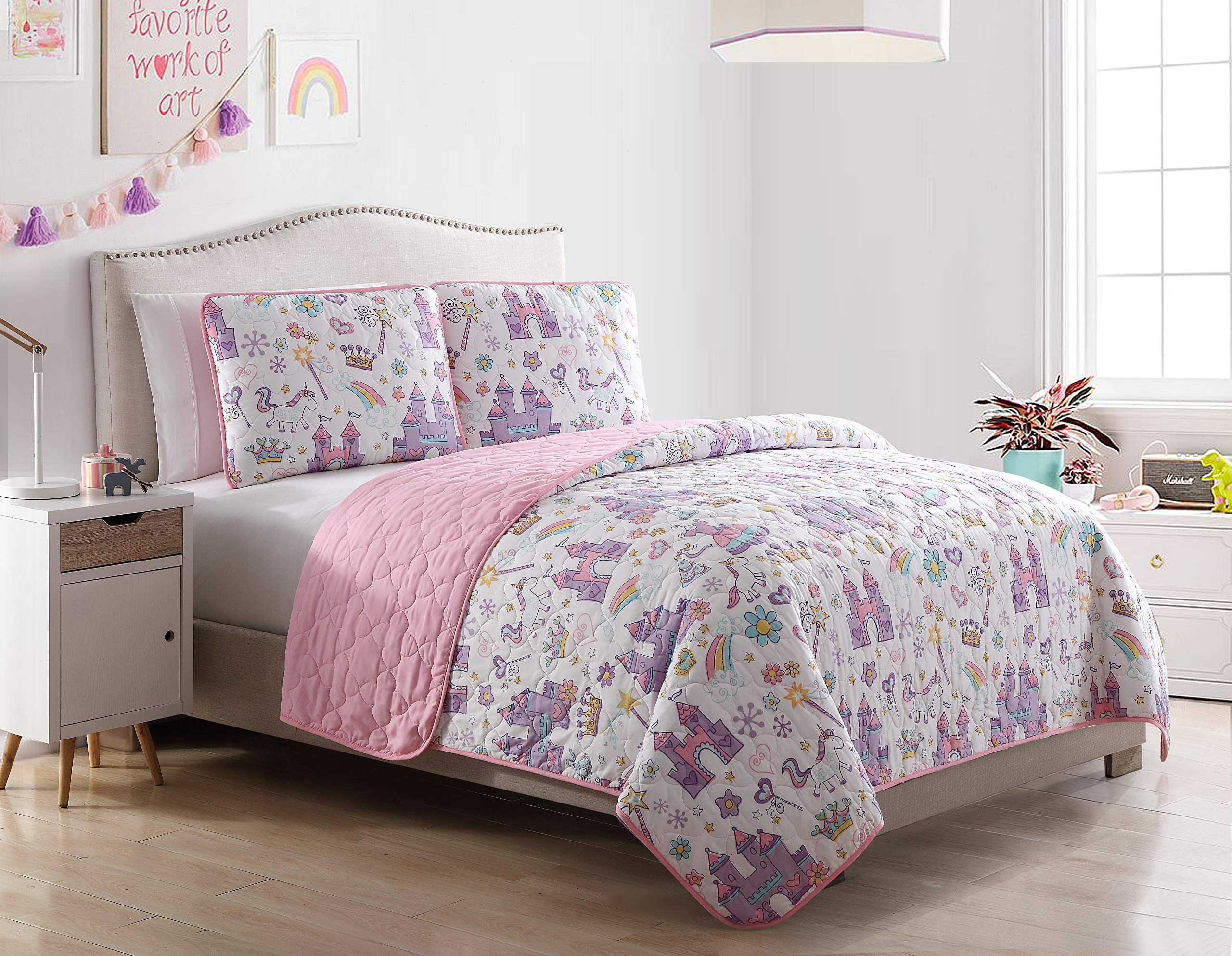 Kute Kids Unicorn Magic Castle Quilt Set, Includes Sham(s) Design Features a Castle, Rainbow, Crown and Unicorn – Available in Twin & Full/Queen (Twin)