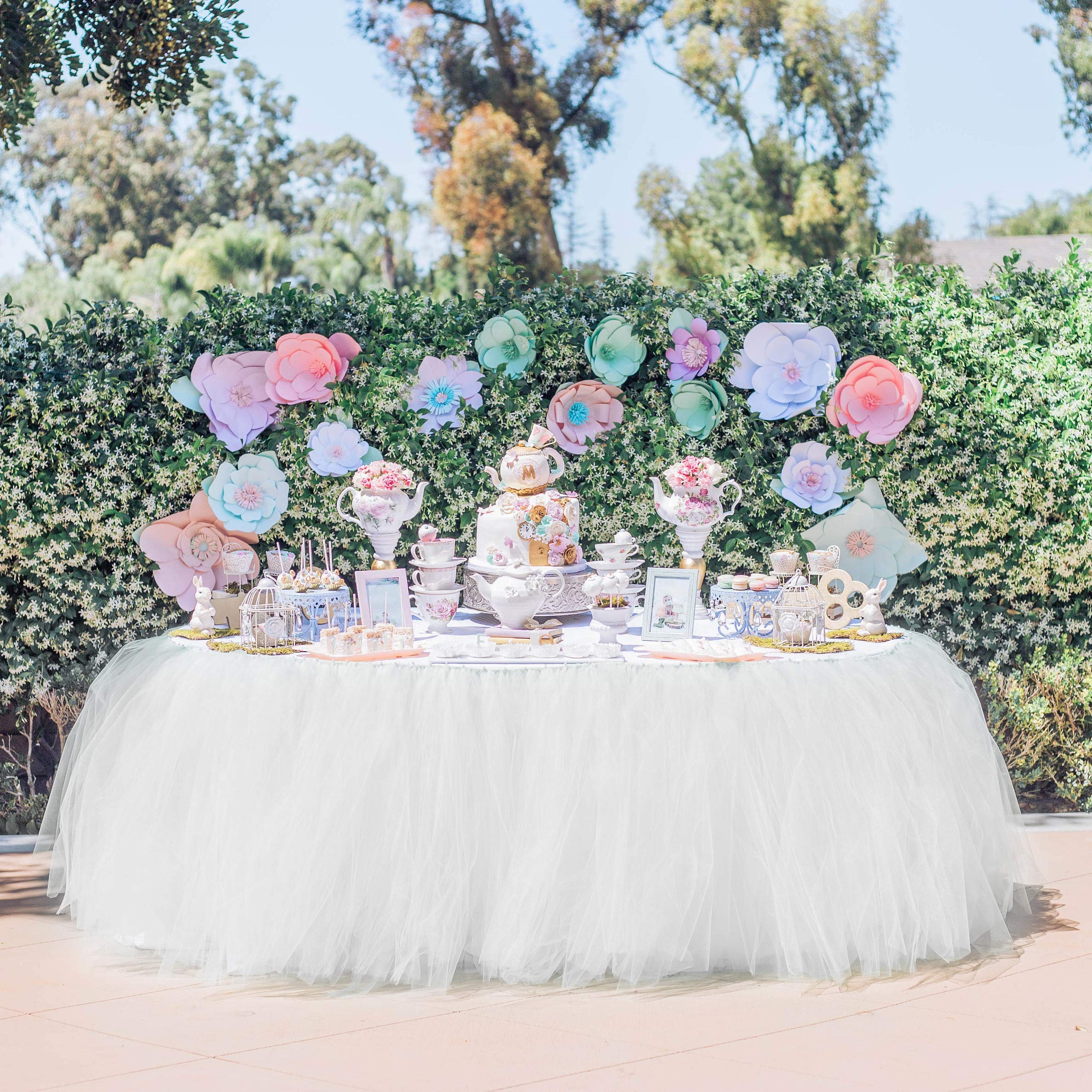 Table Skirt Tutu Christmas Decoration Wedding Tablecloth Fluffy Baby Shower Tableware Party&Home Christmas Decoration Handmade for Rectangle Table or Round Table (White, 9ft (L) x 30inch (H))