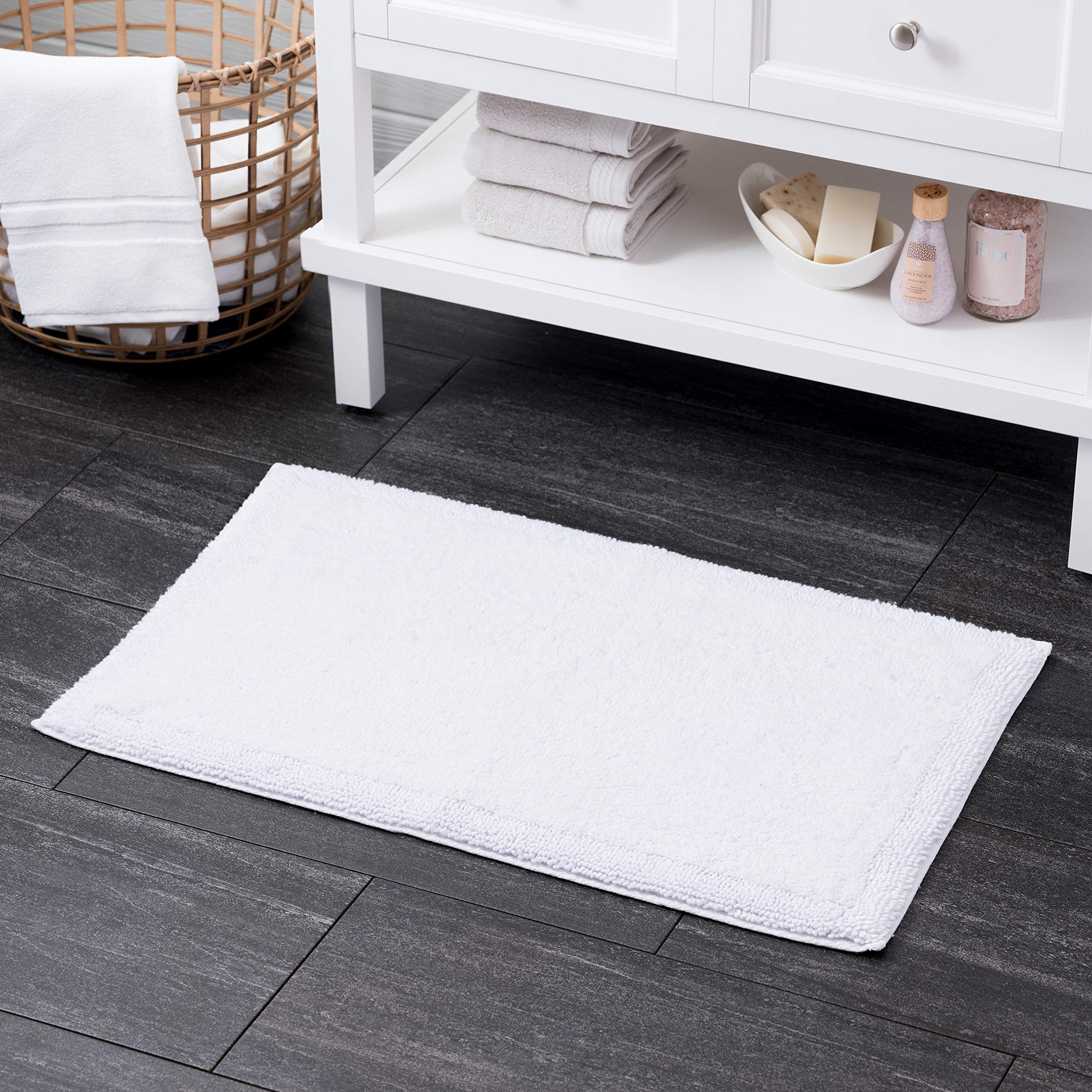"""Welhome 100% Turkish Cotton Bathroom Rug - Luxurious - Soft & Thick - Highly Absorbent - Hotel Spa Collection - 21""""x 34"""" -White"""