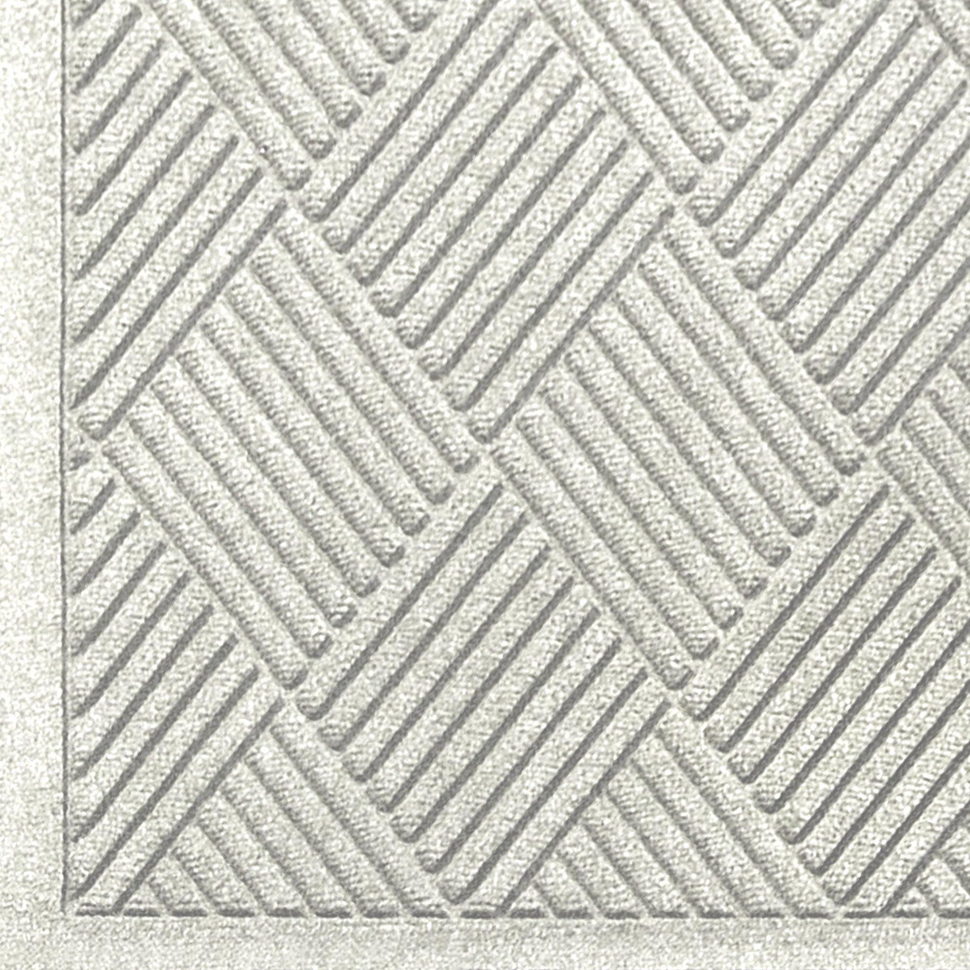 "M+A Matting 221 Waterhog Fashion Diamond Polypropylene Fiber Entrance Indoor/Outdoor Floor Mat, SBR Rubber Backing, 5' Length x 3' Width, 3/8"" Thick, White"