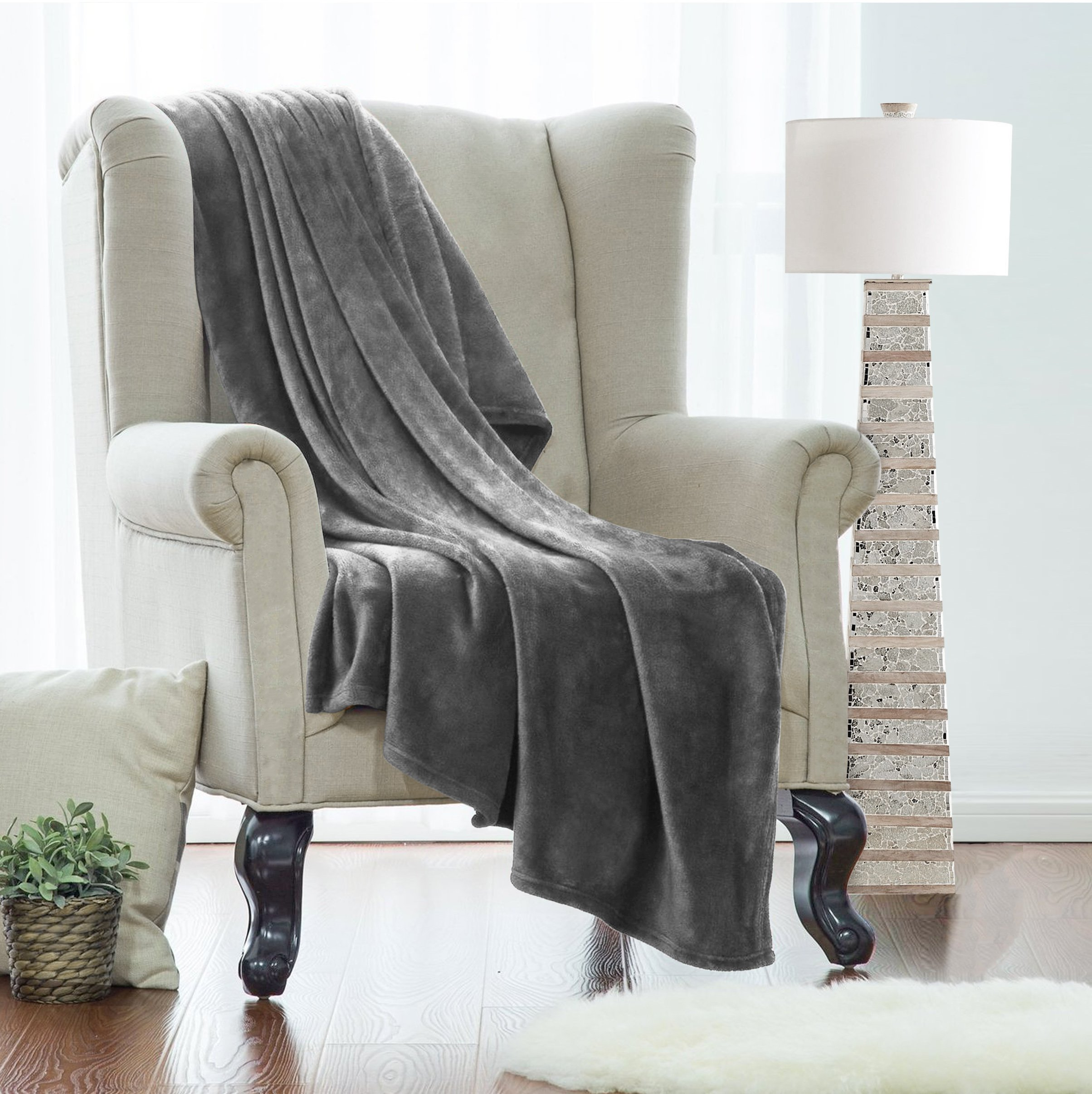 Clara Clark King Fleece Super Soft Warm Fuzzy Plush Couch Blanket, Extra Soft Brush Fabric, Lightweight Super Warm Bed Blanket (102-Inch-By-90-Inch) Charcoal Stone Gray