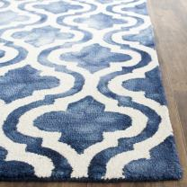 """Safavieh Dip Dye Collection DDY537N Handmade Geometric Moroccan Watercolor Navy and Ivory Wool Area Rug (2'6"""" x 4')"""