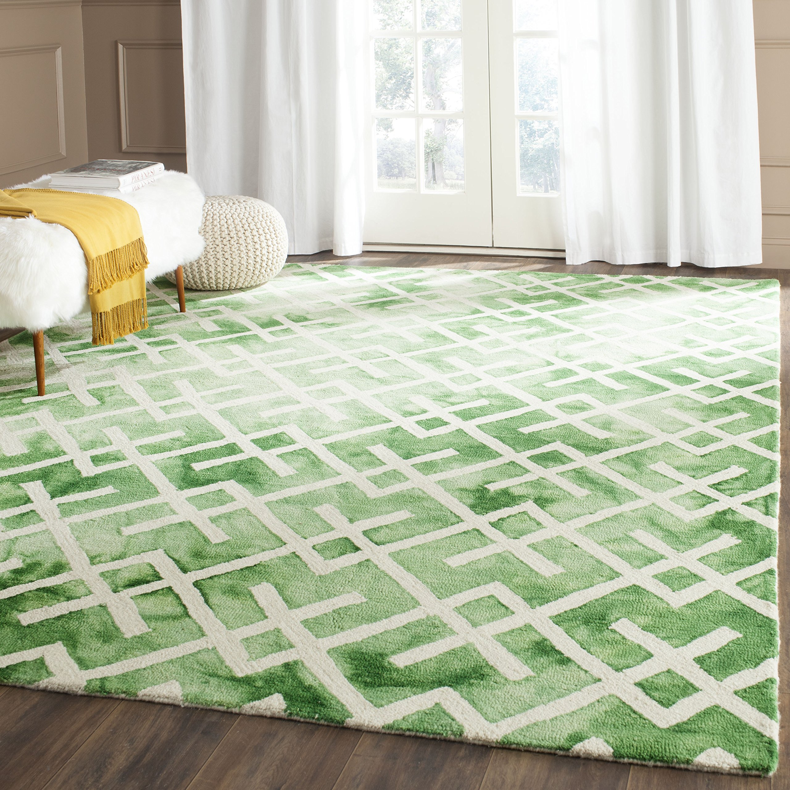 Safavieh Dip Dye Collection DDY677Q Handmade Geometric Watercolor Green and Ivory Wool Area Rug (5' x 8')