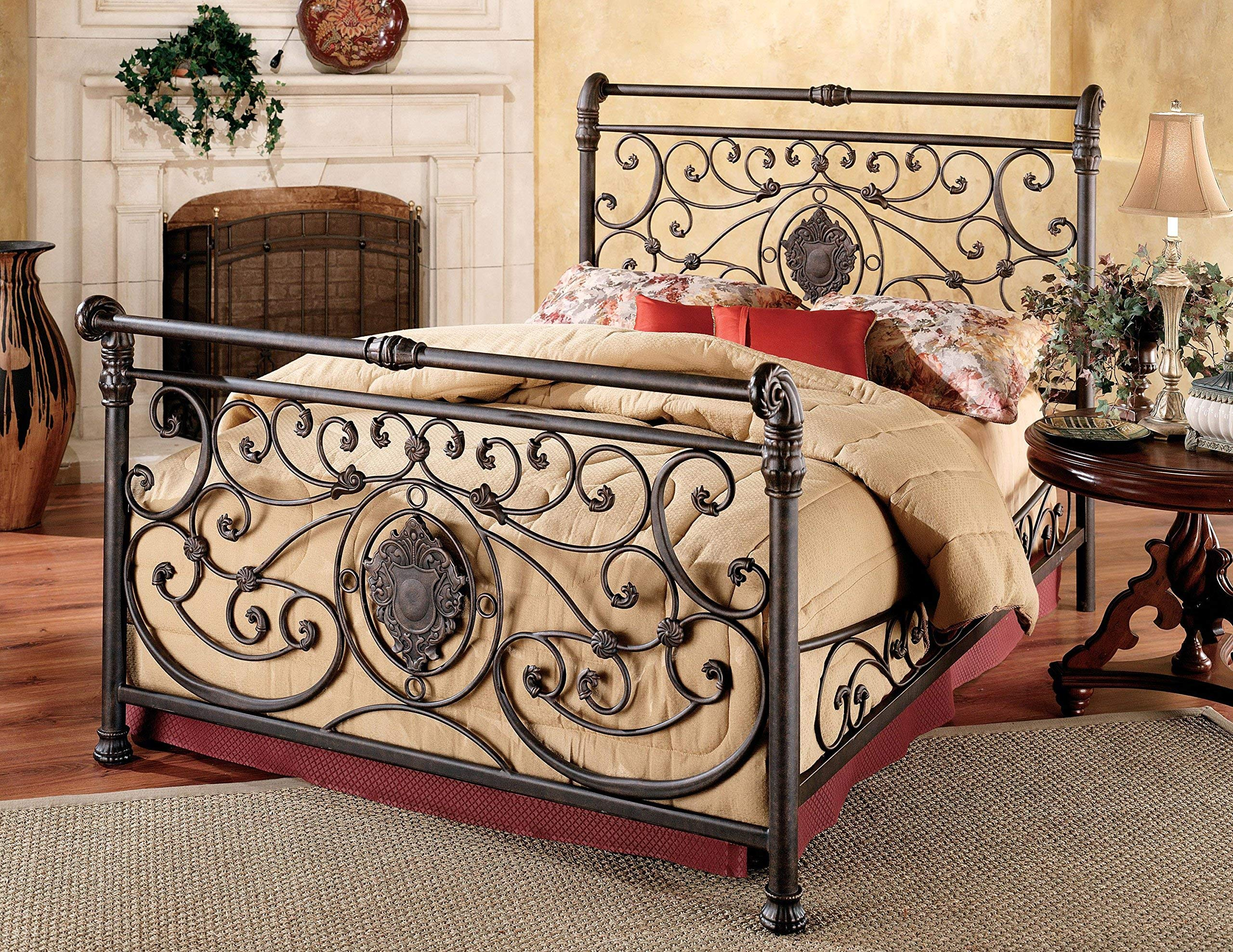 Hillsdale Furniture Mercer Bed Set with with Rails, King, Antique Brown