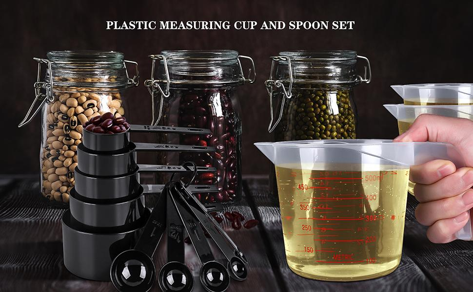 plastic measuring cup and spoon set