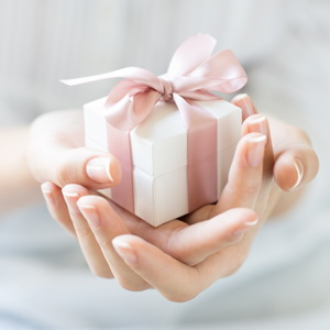 August birthday gifts for women