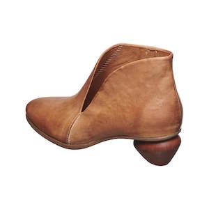 ugg, sorel, chelsea boot women, boot socks, boot socks women, sorel boots, snow boots women, sperry,