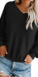 black pull over sweater