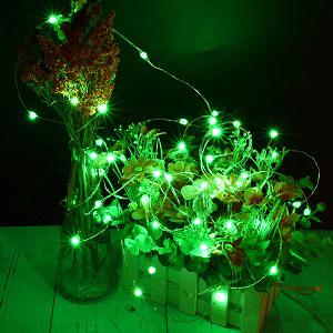 green twinkle lights