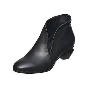 women's boots wide width, women's boot slippers, women's boot stretcher, women's boot toppers,