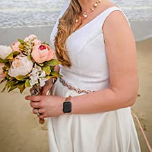 Great Accessories for Romantic Wedding