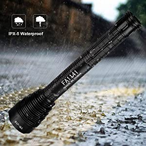 XHP90 flashlight