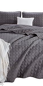 Plano Bedspread Set, Gray