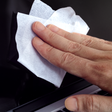 electronics safe and cheap cleaning wipes