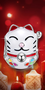 lucky cat charms