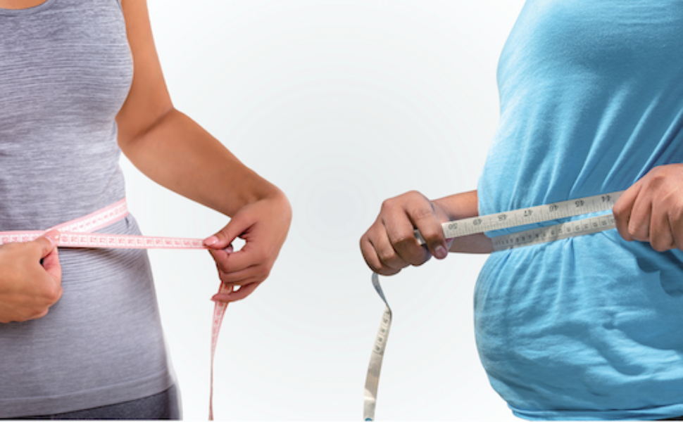 2 people measuring their belly circumference