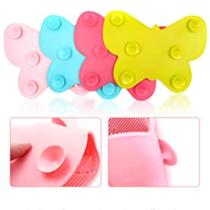 Makeup brush cleaning pad with suction cups