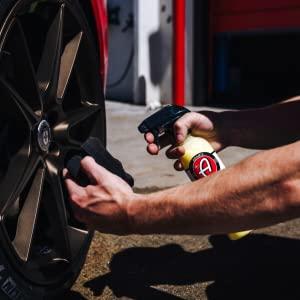Spray tire shine tire wheel yellow car