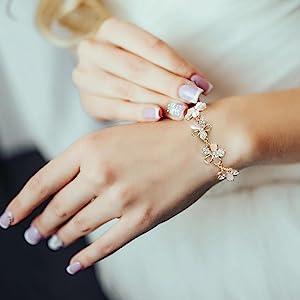 MABELLA 18K Rose Gold Plated Adjustable Fashion Flower Link Bracelet Gifts for Women Girls