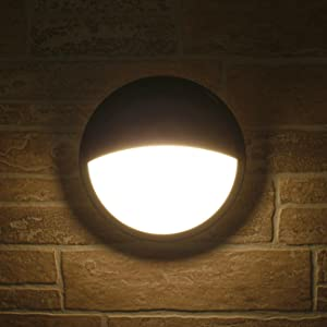 Trendy style wall sconce