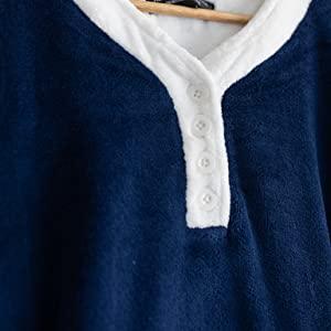 nightgown collar