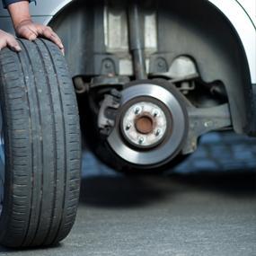 WJB, Automotive, Wheel, Hub, Assembly, Play, Damaged Hub