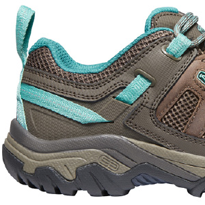 KEEN hiking shoe, hiking for women, warm weather, breathable hiker