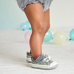 Flexible, lightweight shoes